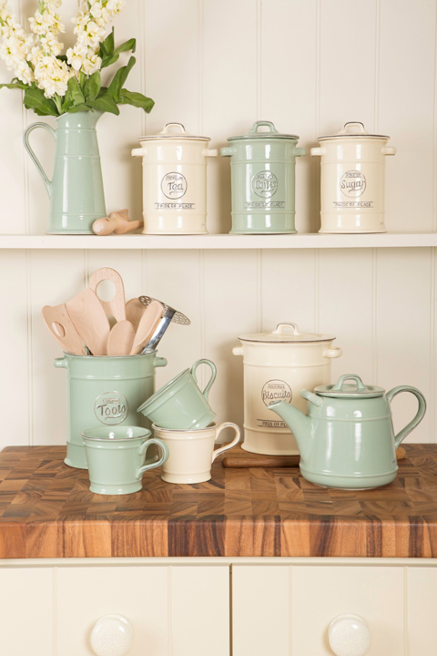 Kitchen ware for sale in South Hams